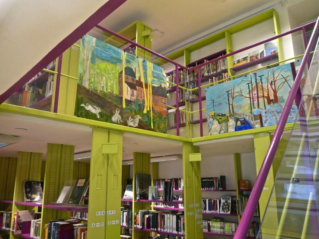 exposition biblioth que st simon maj couleur. Black Bedroom Furniture Sets. Home Design Ideas